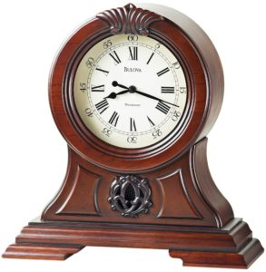 https://www.clockselection.com/wp-content/uploads/2016/08/Bulova-chiming-mantel-clock-293x300.jpg